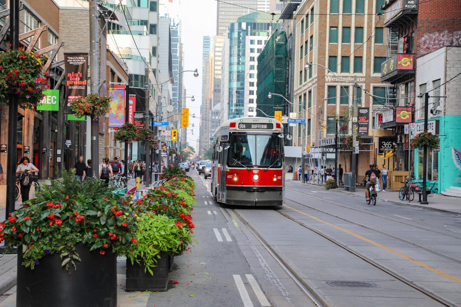 De tram is een uitstekende vorm van openbaar vervoer in Toronto